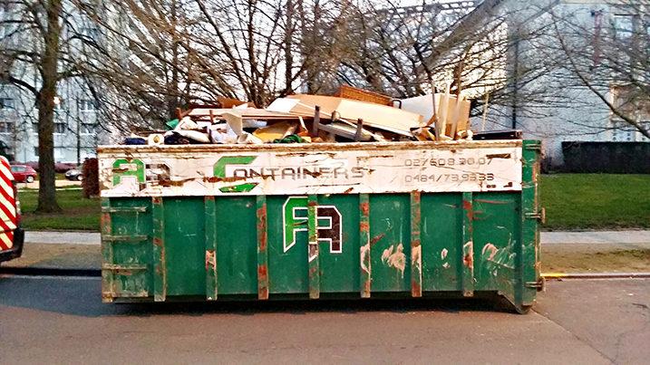 Container de Clean Désinfection à Bruxelles après évacuation appartement diogéne