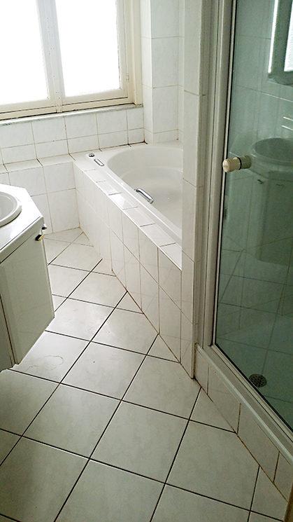 Salle de bain propre après nettoyage et désinfection diogène à bruxelles