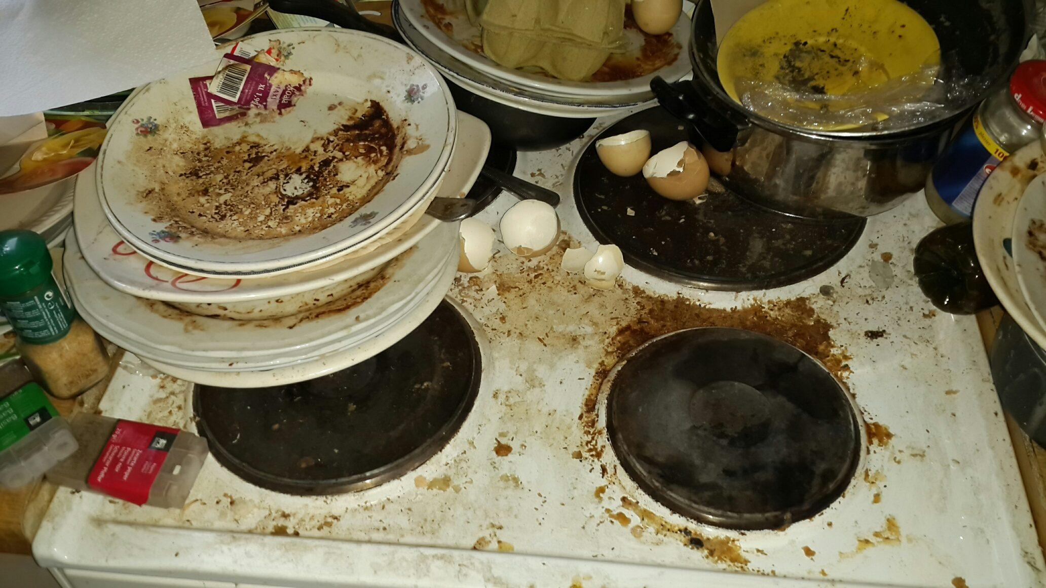 Cuisine diogène à Bruxelles avant nettoyage et désinfection de Clean désinfection
